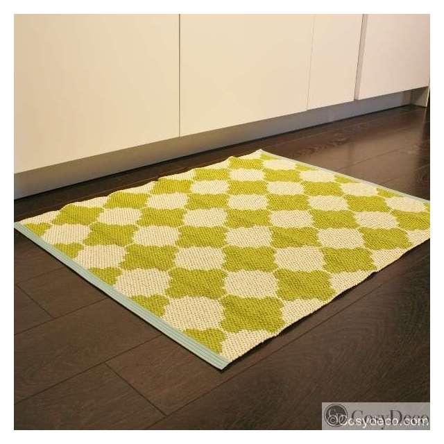 tapis de cuisine en plastique de la marque pappelina