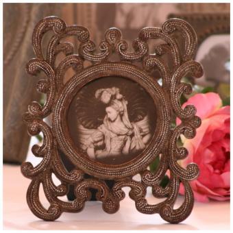 Cadre baroque tous les objets de d coration sur elle maison for Miroir ung drill