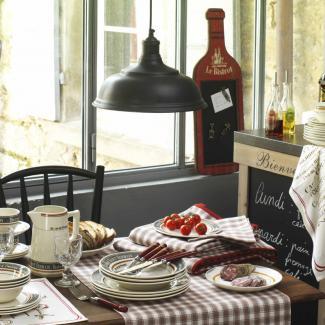 Lustre noir comptoir de famille pour cuisine style bistrot Modele de lustre pour cuisine