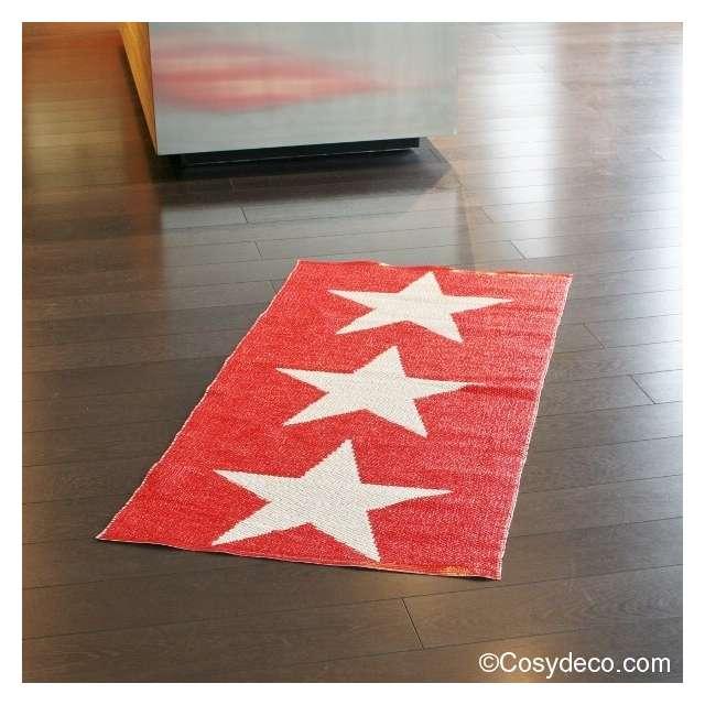 tapis pappelina etoiles rouges en plastique tress et. Black Bedroom Furniture Sets. Home Design Ideas
