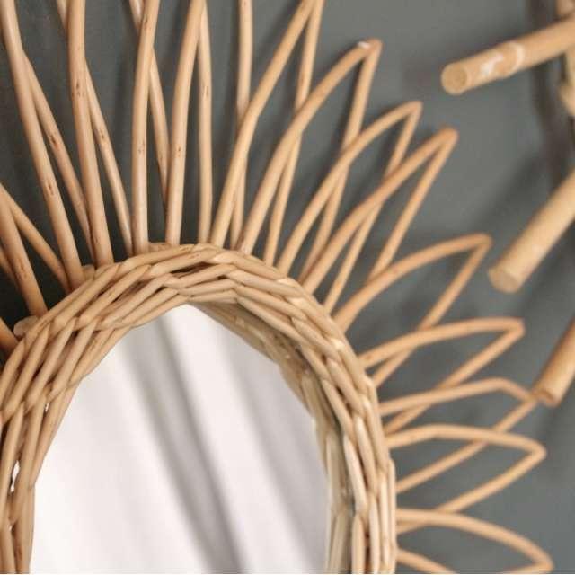 les miroirs soleil en rotin naturel d coration chehoma. Black Bedroom Furniture Sets. Home Design Ideas