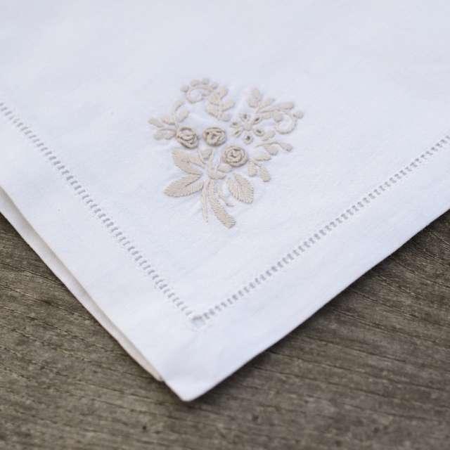 4 serviettes de table Broderie ancienne